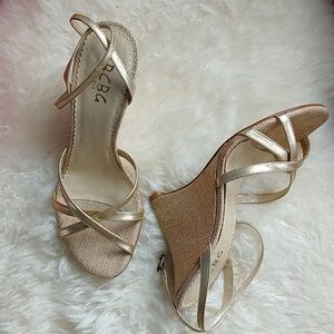EUC Gold Tweed BCBG evening wedge sandals